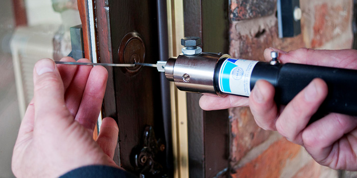 24-hour emergency locksmith liverpool