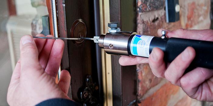 24-hour emergency locksmith liverpool