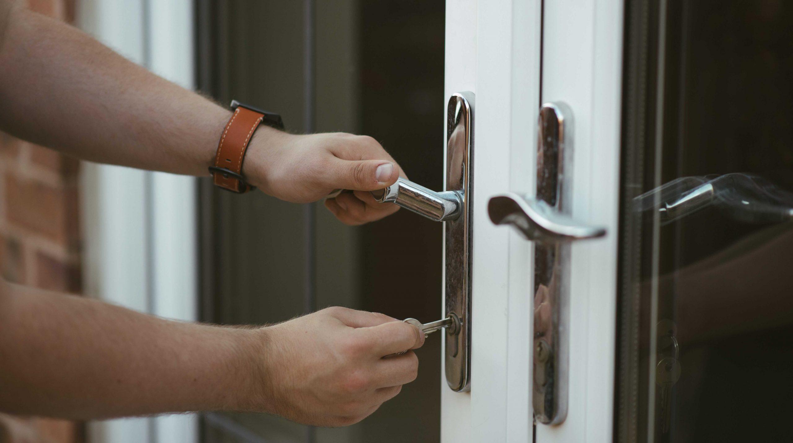 Emergency Locksmith Liverpool | Locksafe Locksmiths | Open 24/7